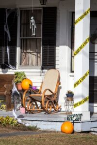 Halloween decorate for front porch