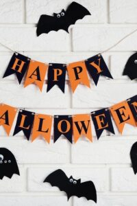 how to decorate indoor for halloween